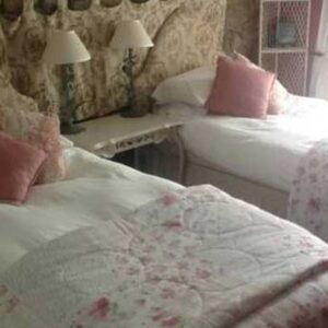 Lovely twin en-suite bedroom